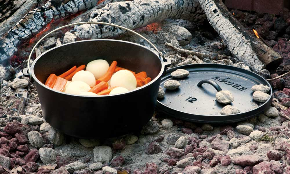 Lodge-Dutch-oven-carrots