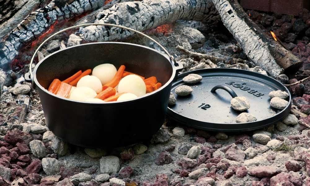Lodge-Dutch-oven-carrots